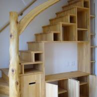 階段TVボード